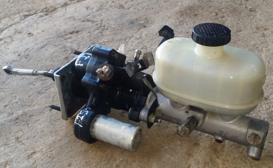 2008 Ford F250 4×4 Brake Booster/Master Cylinder Assembly ...